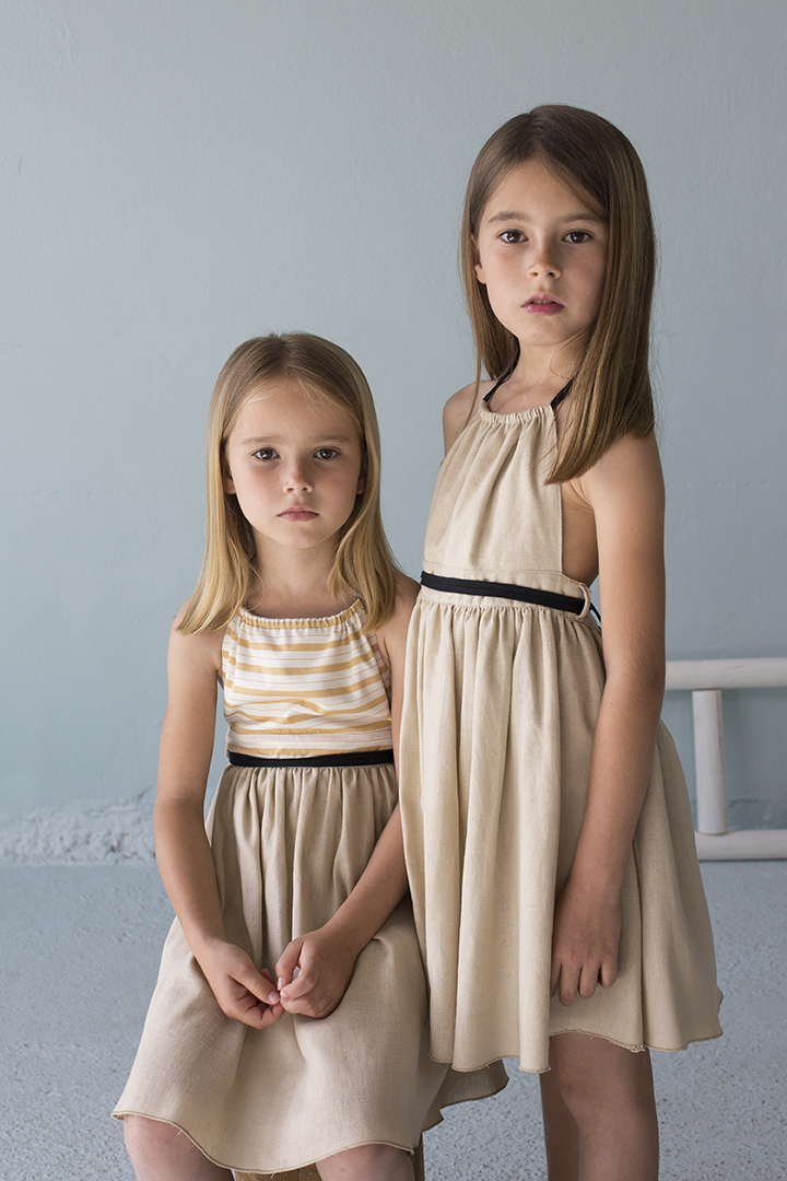 Mod.21.1 Reversible beige dress with bib | SS018-Mod.21.1 Reversible beige dress with bib | R
